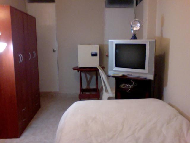 Habitacion amoblada con bano propio chorrillos cedros - Tv en habitacion ...